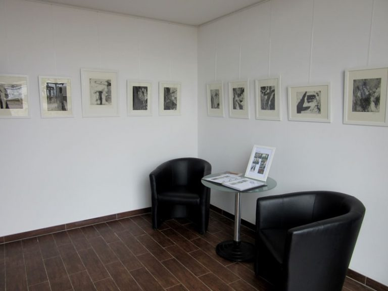 black and white drawings inside hafenbox
